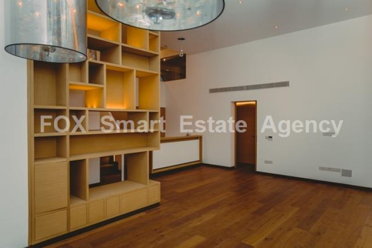 For Sale 3 Bedroom Whole floor Apartment in Limassol, Limassol 7