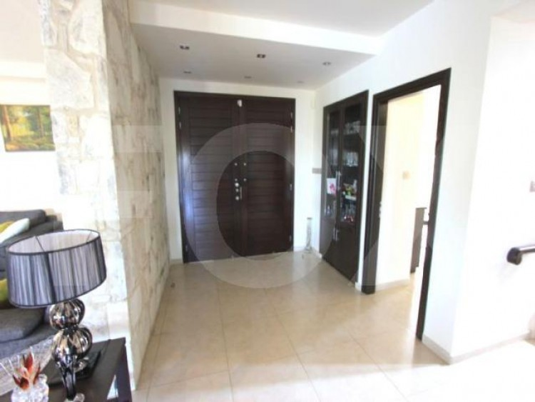 For Sale 5 Bedroom Detached House in Latsia, Nicosia 2