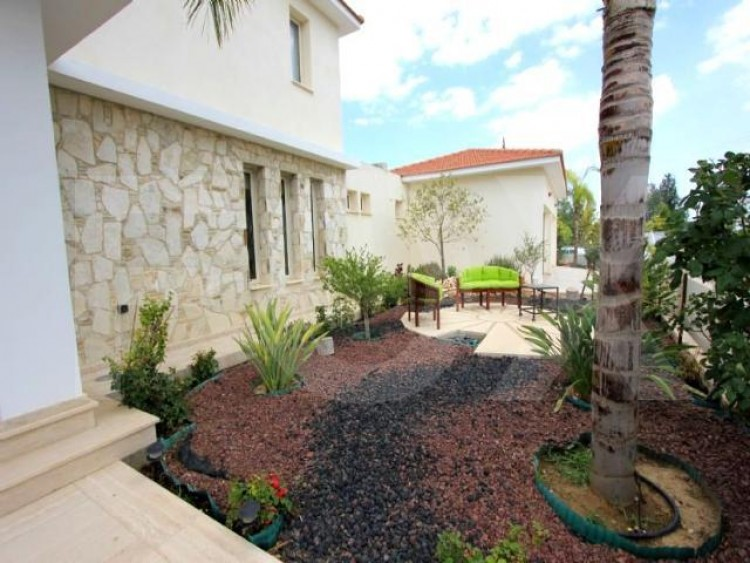 For Sale 5 Bedroom Detached House in Latsia, Nicosia 30