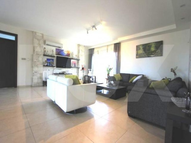 For Sale 5 Bedroom Detached House in Latsia, Nicosia 4