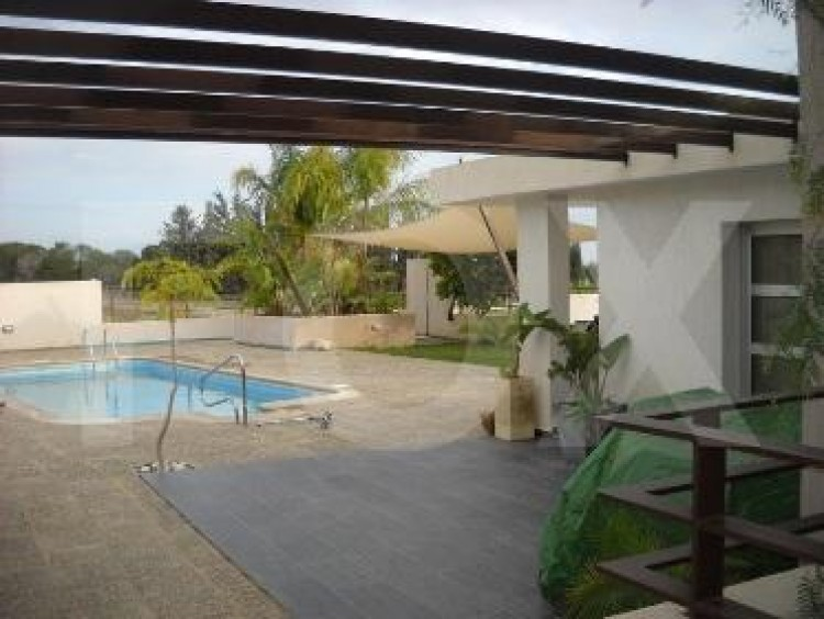 For Sale 6 Bedroom Detached House in Geroskipou, Paphos 6