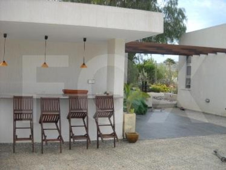 For Sale 6 Bedroom Detached House in Geroskipou, Paphos 7