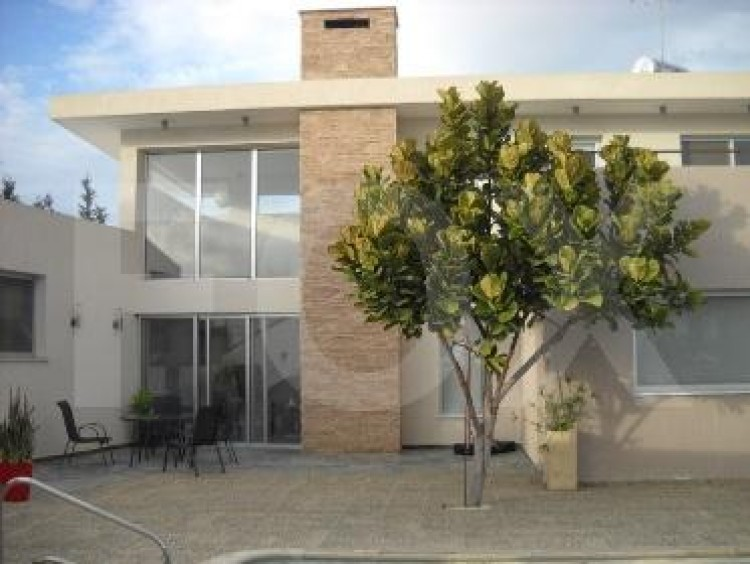 For Sale 6 Bedroom Detached House in Geroskipou, Paphos 8