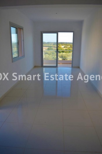 For Sale 1 Bedroom  Apartment in Geroskipou, Paphos 3