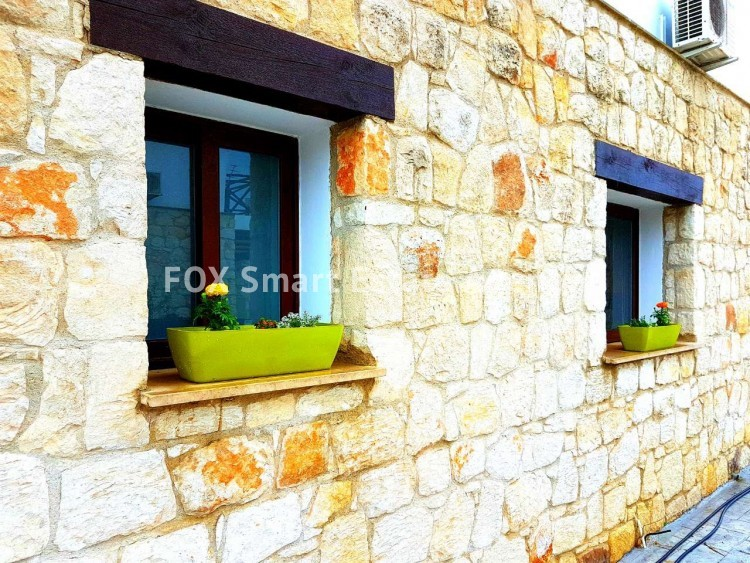 To Rent 3 Bedroom Detached House in Pafos, Paphos 6