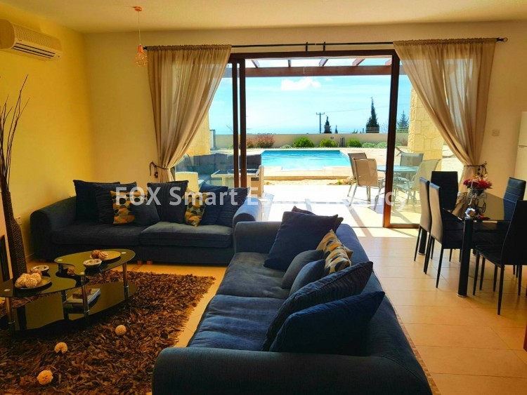 To Rent 3 Bedroom Detached House in Pafos, Paphos 9