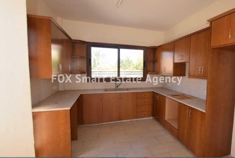 For Sale 3 Bedroom Detached House in Pafos, Paphos 4