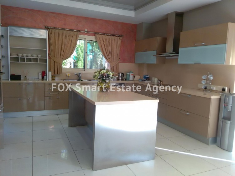 To Rent 6 Bedroom Detached House in Limassol, Limassol 8