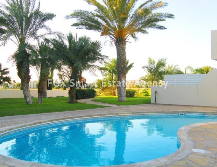 For Sale 1 Bedroom Ground floor Apartment in Kato pafos , Paphos 2