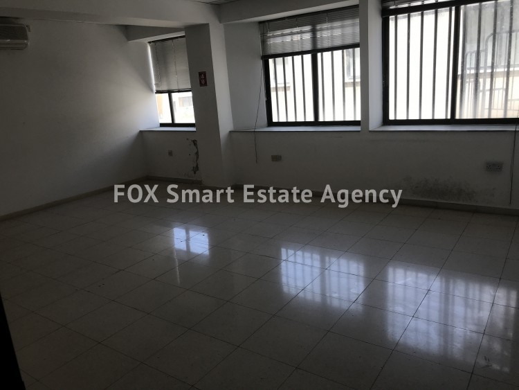 COMMERCIAL OFFICE FOR RENT IN ONE OF THE BUSIEST AVENUES OF PAPHOS 10