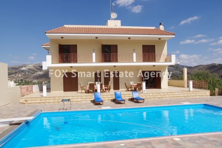 For Sale 9 Bedroom Detached House in Agia anna, Larnaca