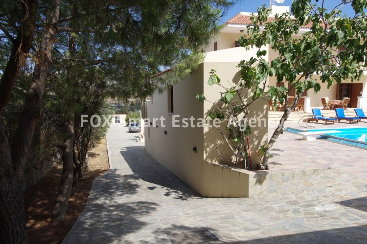 For Sale 9 Bedroom Detached House in Agia anna, Larnaca 4