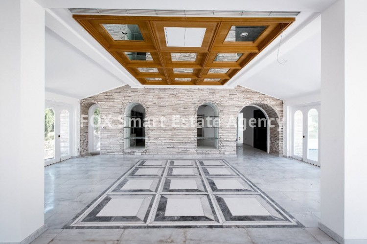 ONE OF A KIND 7 BEDROOM LUXURY HOUSE WITH PRIVATE SWIMMING POOL  - BUILT IN MORE THAN 2,000 SQUARE METERS 4