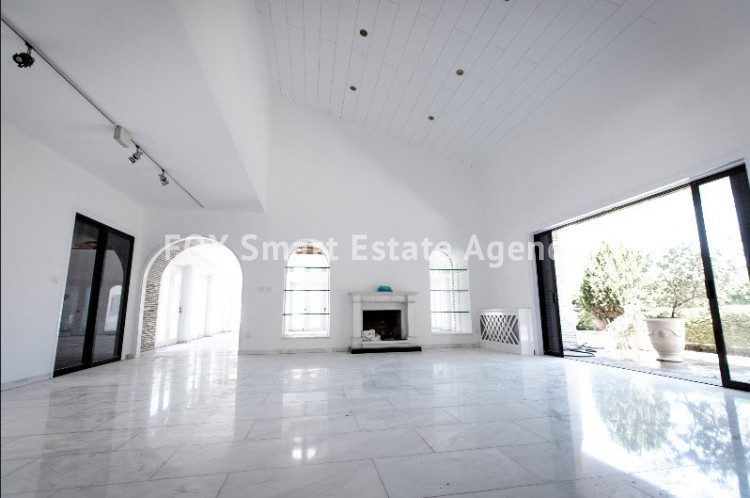 ONE OF A KIND 7 BEDROOM LUXURY HOUSE WITH PRIVATE SWIMMING POOL  - BUILT IN MORE THAN 2,000 SQUARE METERS 5