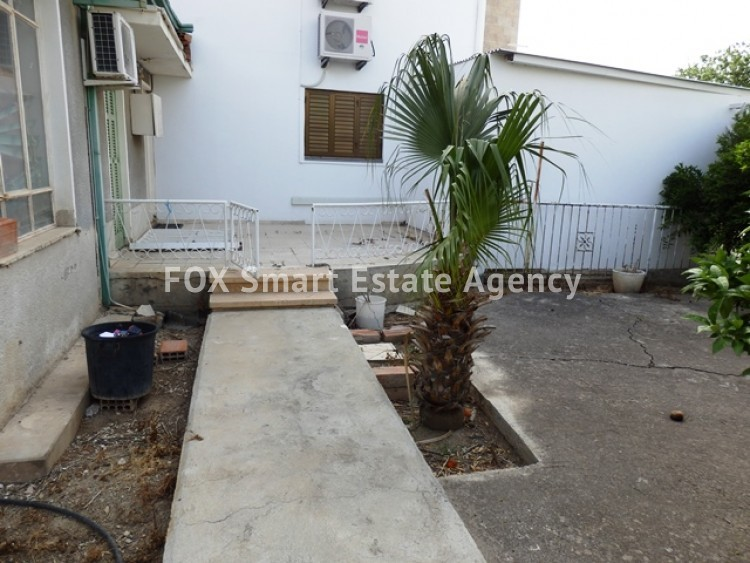 For Sale 363sq.m Corner Plot with House in Agios Dometios  2