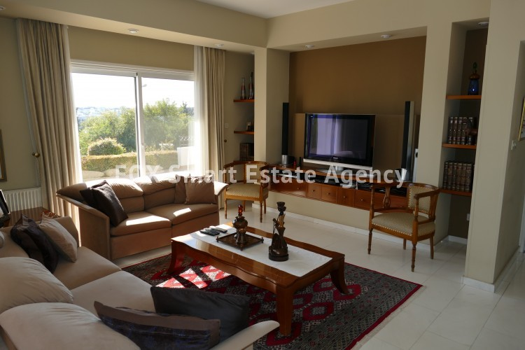 For sale 4 bedroom luxury house in Makedonitisa with spacious yard and unobstructed view 2