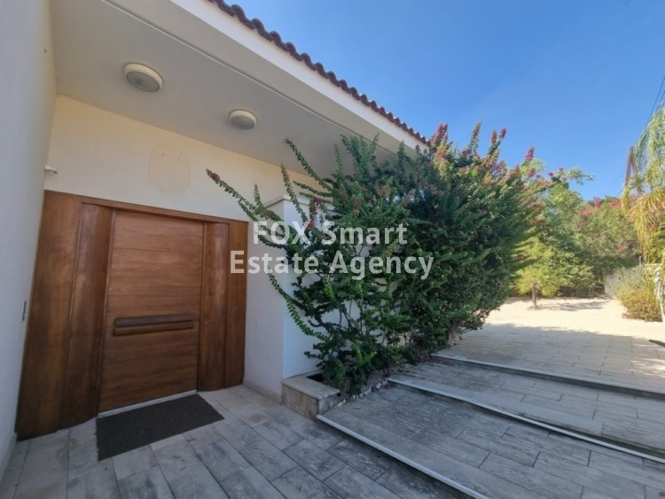 TOP OF THE ART - VERY EXCLUSIVE LUXURY HOUSE WITH SWIMMING POOL IN ENGOMI 3
