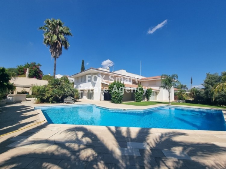 TOP OF THE ART - VERY EXCLUSIVE LUXURY HOUSE WITH SWIMMING POOL IN ENGOMI 4