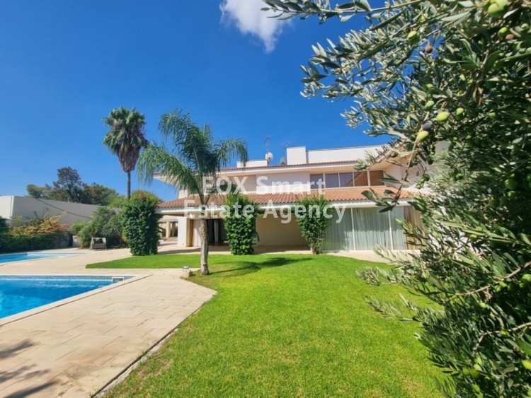 TOP OF THE ART - VERY EXCLUSIVE LUXURY HOUSE WITH SWIMMING POOL IN ENGOMI 8