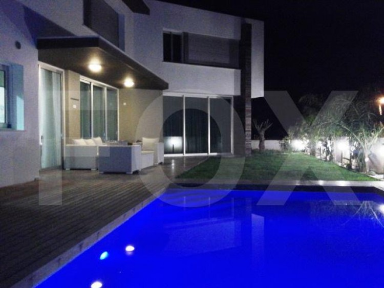 For Sale 3+1  Bedroom Detached House in Lakatameia, Nicosia