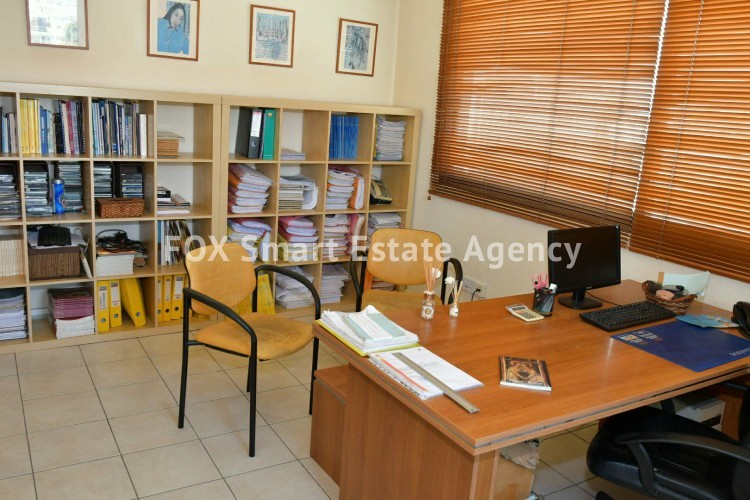 Office in Arc. makarios iii , Larnaca 2