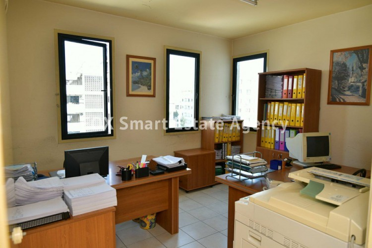 Office in Arc. makarios iii , Larnaca 4
