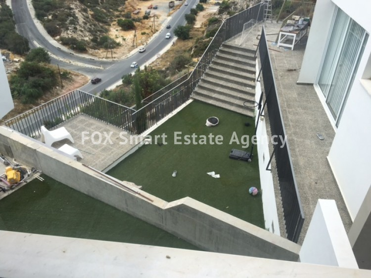 For Sale 4 Bedroom Detached House in Laiki leykothea, Agia Fylaxis, Limassol 7