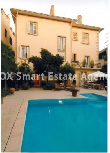 6-BEDROOM LISTED HOUSE WITH SWIMMING POOL IN THE CITY CENTRE - A TRUE PIECE OF ART 5