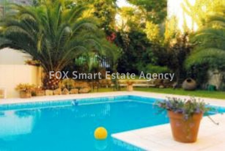 6-BEDROOM LISTED HOUSE WITH SWIMMING POOL IN THE CITY CENTRE - A TRUE PIECE OF ART 4