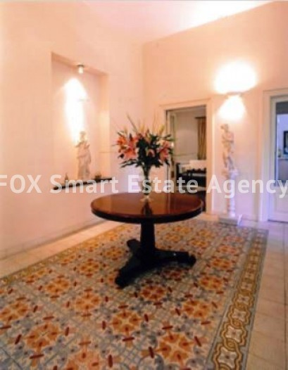 6-BEDROOM LISTED HOUSE WITH SWIMMING POOL IN THE CITY CENTRE - A TRUE PIECE OF ART 2