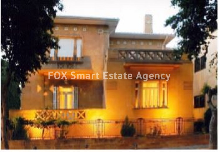 6-BEDROOM LISTED HOUSE WITH SWIMMING POOL IN THE CITY CENTRE - A TRUE PIECE OF ART 6