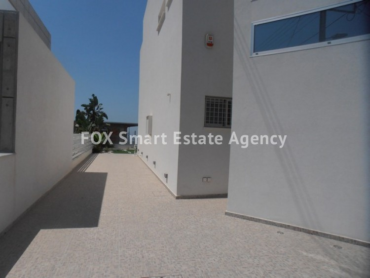 For Sale 3 Bedroom Detached House in Laiki leykothea, Agia Fylaxis, Limassol 3