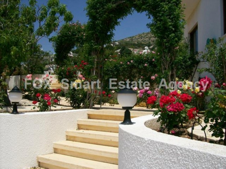 For Sale 5 Bedroom Detached House in Tala, Paphos 11