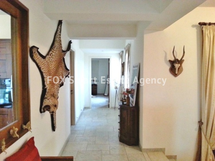 4 bedroom Bungalow with swming pool opposite the National park of Athalassas 12