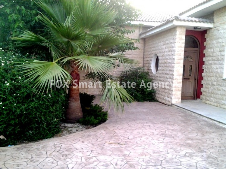 4 bedroom Bungalow with swming pool opposite the National park of Athalassas 6