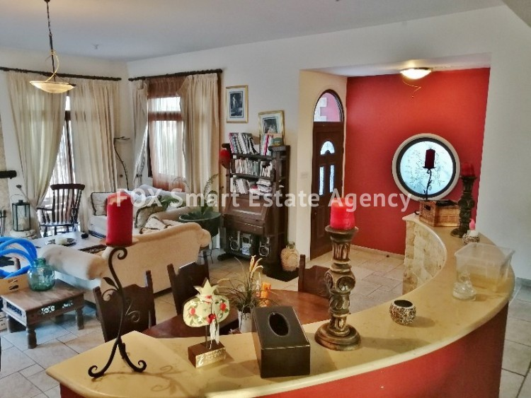 4 bedroom Bungalow with swming pool opposite the National park of Athalassas 7