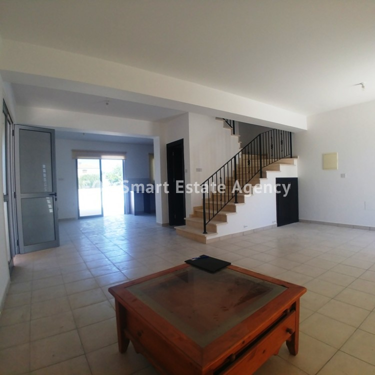3 Bedroom House For Sale in Livadia 2