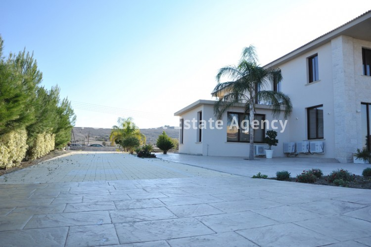 To Rent 6 Bedroom Detached House in Dali, Nicosia 9