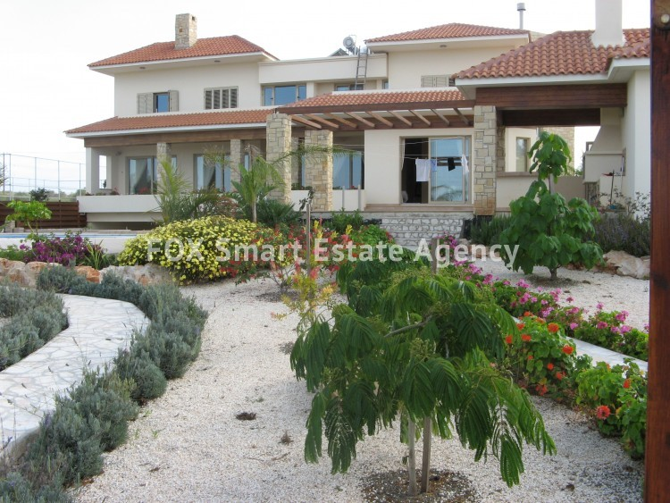 For Sale 6 Bedroom Detached House in Paralimni, Famagusta 10