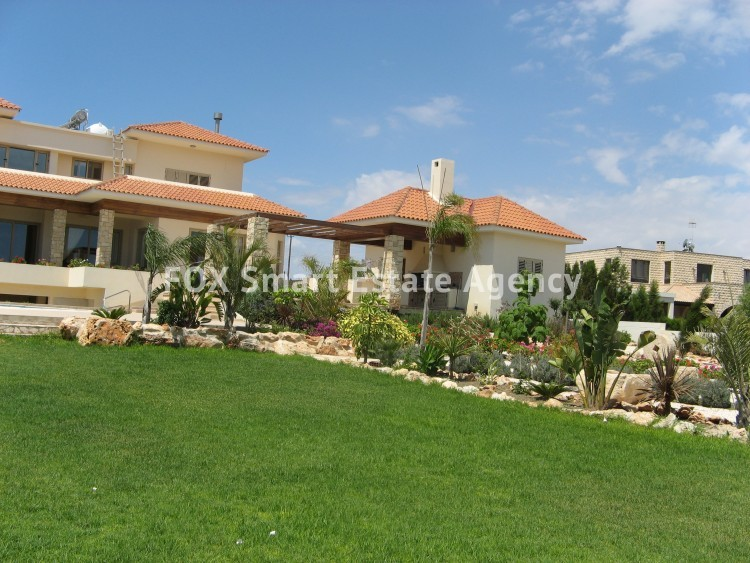 For Sale 6 Bedroom Detached House in Paralimni, Famagusta 12