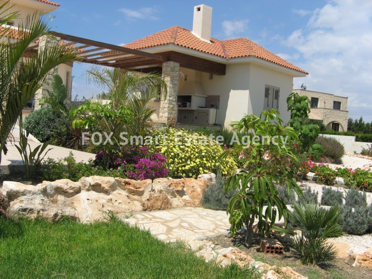 For Sale 6 Bedroom Detached House in Paralimni, Famagusta 13