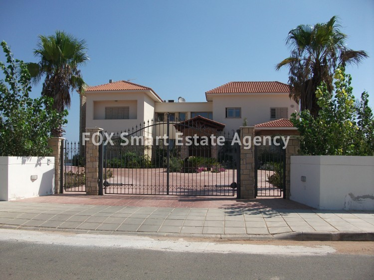 For Sale 6 Bedroom Detached House in Paralimni, Famagusta 2