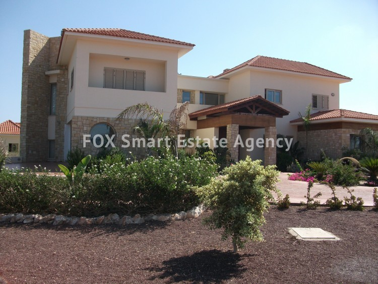 For Sale 6 Bedroom Detached House in Paralimni, Famagusta 3