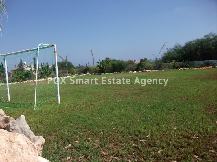 For Sale 6 Bedroom Detached House in Paralimni, Famagusta 32