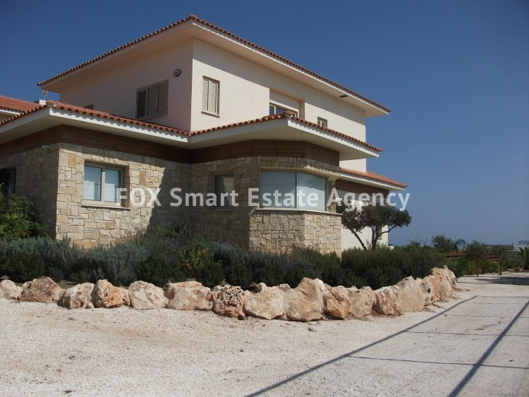 For Sale 6 Bedroom Detached House in Paralimni, Famagusta 4