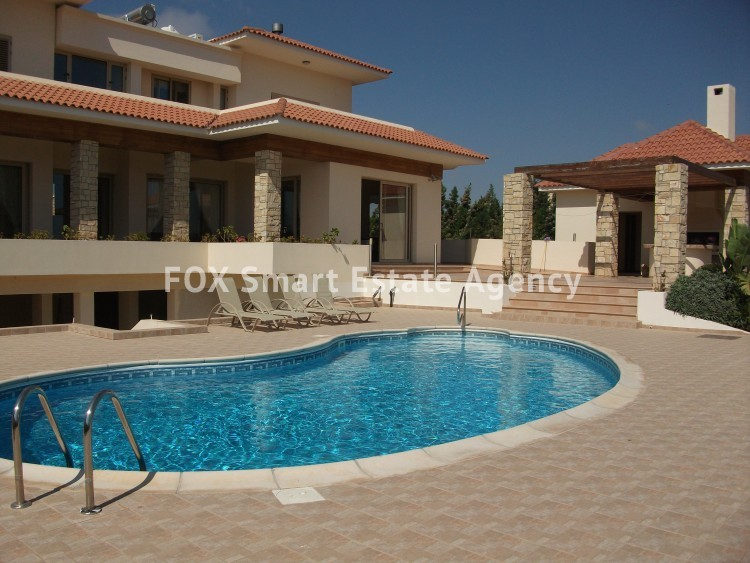 For Sale 6 Bedroom Detached House in Paralimni, Famagusta 8
