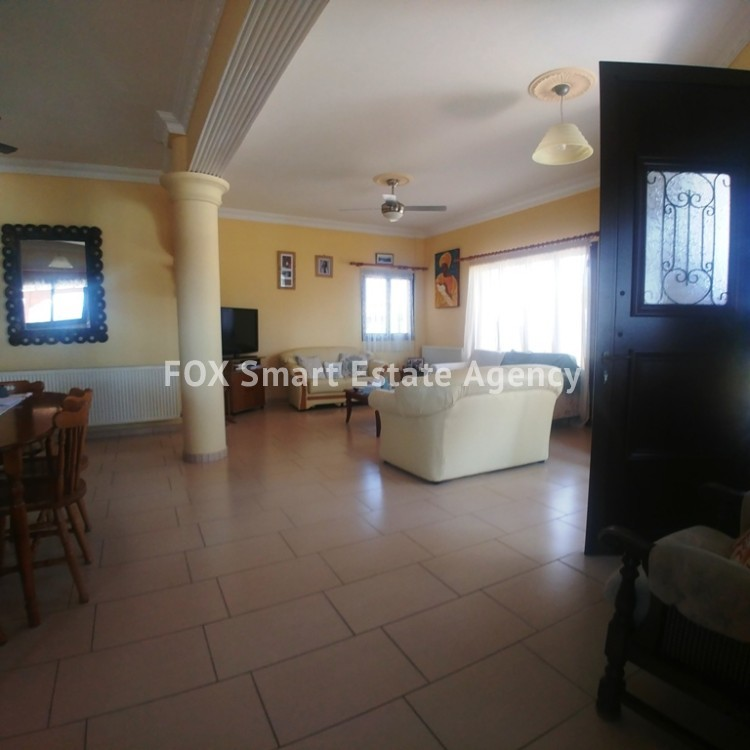A Bright 3 Bedroom Bungalow (Single Level) House For Sale in Pervolia