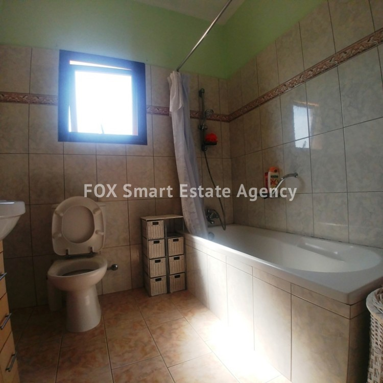 A Bright 3 Bedroom Bungalow (Single Level) House For Sale in Pervolia 11