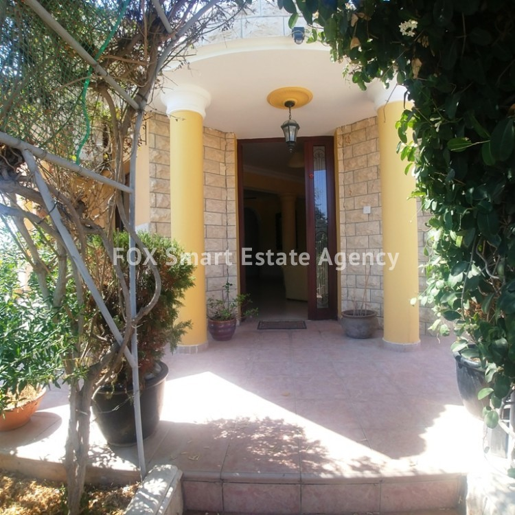 A Bright 3 Bedroom Bungalow (Single Level) House For Sale in Pervolia 13