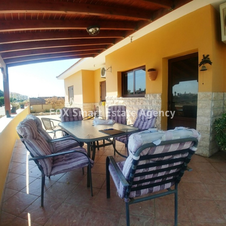 A Bright 3 Bedroom Bungalow (Single Level) House For Sale in Pervolia 14